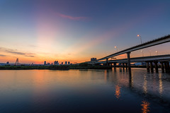 龍山河濱晚霞 - Sunset glow at riverside (basaza) Tags: 1635 canon 760d 龍山河濱公園 中興橋 bridge sunset