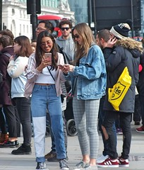 Parliament Square Tourists (Waterford_Man) Tags: london mobile phone cell tourists candid people