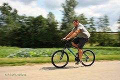 Neighbor has fun on his new bike 🚲 (kamilkamuda) Tags: canon 24mm panning bicycle bike longtime move  fiets saikel kolo cykel biciklo jalgratas polkupyöra bicyclette bicicleta jitensha dviratis bisikleta bajsikil paihikara velo sykkel bicykel baisikeli bicicletta