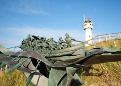 20170701_203521-X-T2-5602.jpg (Erwin Schoonderwaldt) Tags: momument lighthouse speyk rescueboat netherlands statue bronze egmond
