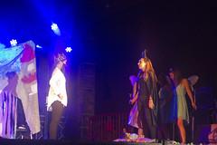 En la imagen se puede ver un momento de la actuación de la txaranga Hezigaitzak titulada 'Película Malefica'