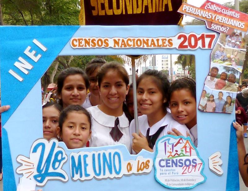 Lambayeque: Difusión sobre Censos Nacioneles en desfile de Cívico de Instituciones Educativas