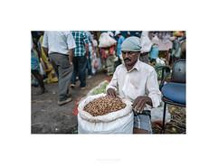 ©AurelienFAURE-47.jpg (mistemoon) Tags: india bangalore bengaluru palace trip visit flower market colors color fleurs marché people indian street streetphoto