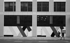 1001 (Panda1339) Tags: 28mm leicaq summiluxq monochrome ldn people streetphotography london architecture blackandwhite uk geometry