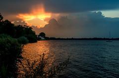Sunset (Matthias-Hillen) Tags: lichternacht kurpark sunset sonnenuntergang red sky roter himmel segel segelboot bad zwischenahn germany deutschland matthias hillen matthiashillen zwischenahner meer seehotel fährhaus
