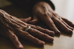 Manos de mi abuela (romigutierrez) Tags: wrinkles grandma hands ring