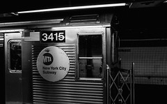 2817 (Panda1339) Tags: 28mm leicaq summiluxq manhattan gritty nyc newyorkcity 2113 usa subwaystation monochrome
