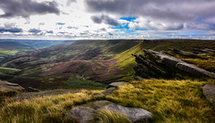 worth the climb (Phil-Gregory) Tags: kinderscout heather purple rocks nikon d7200 tokina 1120mm 1120mmf28 1120mmproatx 1120 visage vista vision view national nature nationalpark naturalphotography naturalworld natural naturephotography scenicsnotjustlandscapes landscapes wideangle ultrawide wild fairbrook