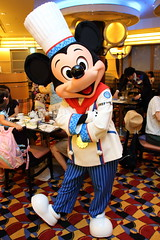 Mickey Mouse (sidonald) Tags: tokyo disney tokyodisneyresort tdr disneyambassadorhotel chefmickey シェフ・ミッキー ディズニーアンバサダーホテル greeting グリーティング mickeymouse mickey ミッキー
