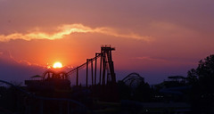 kentucky sunset (scott1346) Tags: light colors red orange lavender yellow rays shadows evening sunset kentucky clouds 1001nights 1001nightsmagiccity autofocus