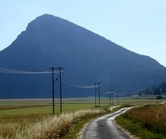 plaine de Caille et Bauroux (b.four) Tags: ligneélectrique powerline lineaetettrica route strada road montagna mountain montagne bauroux caille alpesmaritimes