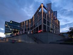 Überseestadt in Bremen (krieger_horst) Tags: bremen abendstimmung architektur weser brücke
