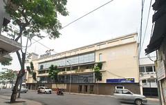 Bank Mandiri Jalan Veteran (Everyone Sinks Starco (using album)) Tags: surabaya eastjava jawatimur building gedung architecture arsitektur office kantor