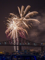 fireworks-in-the-old-port-by-eva-blue-14_35228597873_o (The Montreal Buzz) Tags: fireworks feuxdartifices oldport vieuxport montreal evablue