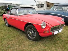 1963 BMC 1800 MGM Cab (crusaderstgeorge) Tags: crusaderstgeorge cars classiccars british 1963bmc1800mgmcab 1963 bmc 1800 mgm cab englishcars västeråssummermeet västerås sweden sverige redcars red veterancar carmeet