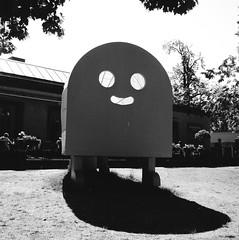 Hello, Hello. Kanae Ohgi. (rotabaga) Tags: sverige sweden svartvitt örebro openart lomo lomography lubitel166 tmax100 120 6x6 mediumformat mellanformat blackandwhite bw bwfp diy