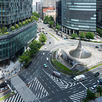 Traffic circle in front of Dai Nagoya Building (大名古屋ビルヂング)