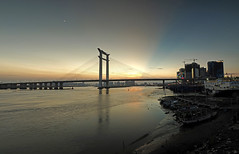 Jinjiang bridge sunset.(_7264983-8) (Minaol) Tags: china fujian quanzhou jinjiang bridge sunset 泉州 刺桐古城 晋江大桥 霞光 晚霞