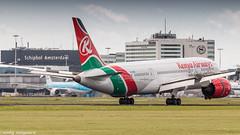Kenia Airways 787-8 braking action (Nicky Boogaard) Tags: boeing airbus aviation dmaviation aircanada klmcityhopper aa americanairlines kalittaair deltaairlines 787 dreamliner easyjet a319 747 freigther 747400 777200 77w 7878 7879 embrear e175 jetairways united keniaairways