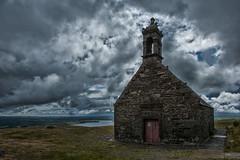 Chappelle de St-Michel (glassonlaurent) Tags: chapelle saintmichel mont de brasparts bretagne france sky cloud paysage landscape