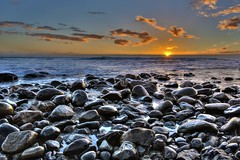 Sun & Stones IV (Jabi Rollán) Tags: sun luz angular sea javierrollan 5d canon sky blue azul sol agua mar roca atardecer maspalomas canarias islas canaryislands