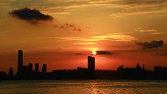 紅似焰火天空伴夕陽     Sky fire sunset (C. Alice) Tags: evening harbour seacoast sky seashore sun sunset reflection city color sea light orange shadow cloud beach 2017 hongkong summer favorites30 canonef24105mmf4lisusm canoneos6d eos6d canon 24105mm