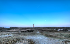 Blue sky, red crayon. (Alex-de-Haas) Tags: 1635mm d750 grotekaap hdr holland hollandseluchten julianadorp nederland nikkor nikon noordholland noordkop thenetherlands clearskies cloudless duinen duingebied dunes goldenhour grijzeduinen landscape landschap lighthouse lucht maritiem maritime onbewolkt scenery scheepvaart sereen serene shipping skies sky sun sundown sunset unclouded unshadowed vuurtoren zon zonsondergang