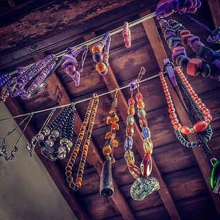 Choose your #necklace #chain #collana #perspective #laundry #viola #purple #amethist #schmück #medieval