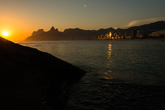 Sunset @Arpoador Beach,Rio de Janeiro,Brazil (José Eduardo Nucci Photography) Tags: sunset landscape riodejaneiro flickr joséeduardonucci southamerica rio450anos arpoadorbeach photography colors nature beach shadows rocks atmosphere leblon ipanema urca peace paradise