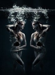 Sorrows (Sydni Indman Photography) Tags: surreal underwater cracked speedlite