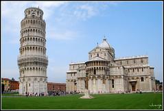Torre y catedral de Pisa (Toscana, Italia, 30-6-2009) (Juanje Orío) Tags: italia pisa italy 2009 torre tower catedral cathedral jardín garden patrimoniodelahumanidad worldheritage whl0395 toscana europeanunion europe europa