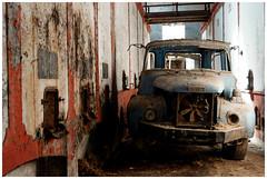 Beau comme un camion (Pascal.M (bong.13)) Tags: urbex abandonné nikon provence bouchesdurhone ancien cave camion berliet d3200