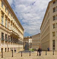 Vienna / Ballhausplatz (Pantchoa) Tags: vienne autriche place architecture façades ville photoderue streetshot nikon d7200 ballhausplatz fontaine s