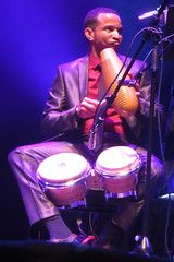 ¡Cubanismo! (2017) 11 (KM's Live Music shots) Tags: worldmusic cuba cubanson cubanismo güiro scraper handpercussion bongos drums barbican