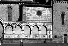 Basilica di Santa Maria Novella (Demarmels) Tags: florenz piazza santa maria novella firenze italien basilica di kloster gotisch kirche klosteranlage gotische tobias demarmels sw schwarz weiss black white sky gothic church monastery complex street strasse morgen morning city stadt town basilicadisantamarianovella kontrast blackwhite schwarzundweiss