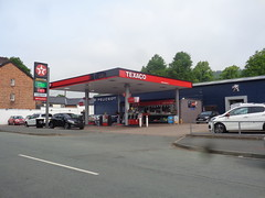Texaco - Bradleys Service Station, Llanidloes, Powys (christopherbarker13) Tags: texaco petrolstation garage bradleysservicestation llandidloes powys