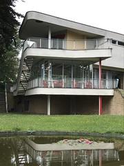 Villa Schminke (Löbau Sachsen) (Berliner1963) Tags: wohnikonen hansscharoun hausschminke modernearchitektur löbau sachsen germany deutschland