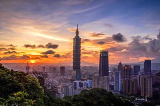 Sunset @ Taipei 101 Skyscraper
