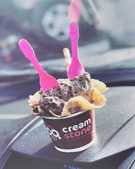 Ice cream solves everything. (Captured by Bachi) Tags: choco chocolate colour pink friends life travel drive weekends desserts dessert love creamstone icecream🍦 nutella icecream monsoon new me