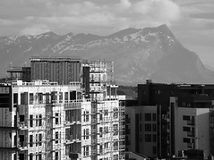 They will have a nice view on top floor ! (Yvan S) Tags: french norvège immeuble blanc noir montagne photography travel life picture pic français neige nuage ville vue view urban city town clouds cloud snow fjord mountain white black blackandwhite bw construction building norway