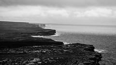 Inis Mór (Jethro_aqualung) Tags: sea ocean water bn bw monchrome cliff cliffs landscape paesaggio nikon d3100 nature natura aran island inis mór clare galway ireland irlanda éire atlantic