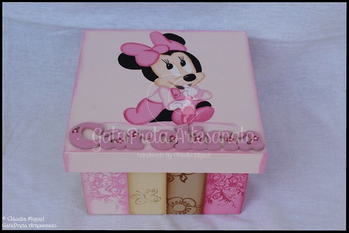 Cesta, caixa rec. bebé, moldura e nome Shy Minnie4