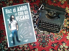 "Haz el AMOR con un VEGANO • <a style=""font-size:0.8em;"" href=""http://www.flickr.com/photos/126890823@N02/35603808010/"" target=""_blank"">View on Flickr</a>"