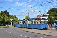 P-Zug 2006/3005 erreicht den Theodolindenplatz (Bild: Klaus Werner) (Frederik Buchleitner) Tags: 2006 3005 linie15 munich münchen pwagen strasenbahn streetcar tram trambahn