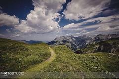 #wandern auf schmalen #pfad #engelberg #swiss #swissalps #erholungpur #fotograf #luzern (photogafieseverinettlin) Tags: wandern auf schmalen pfad engelberg swiss swissalps erholungpur fotograf luzern fund5