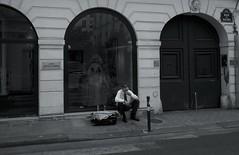 Rue de Seine (ettigirbs2012) Tags: 75006 abandoned abandonné beer bière chapeau hat loneliness monochrome montre paris ruedeseine solitude suitcase valise watch