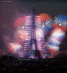 "National day 2017 ""3"" (Julianoz Photographies) Tags: europe france capitale paris eiffeltower europa feudartifice fireworks fireworks2017 monument villelumière 75 îledefrance ville cityscape spectacle julianozphotographies architecture"