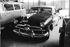 ND-03-51 Ford V8 Custom Convertible 1949 / 1951 Enschede ~1977 reed destijds plots rond (en woonde) in Hengelo (willemalink) Tags: nd0351 ford v8 custom convertible 1949 enschede ~1977