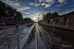 Cruising on the Seine (marko.erman) Tags: paris france cruising seine river boat sunset sun notredamedeparis cathedral iledelacité architeture monuments buildings famous popular outside travel sony uwa pov wideangle perspective