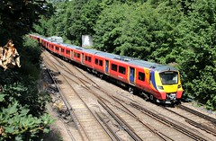 South West Trains electric units 707005/003 Virginia Water (jc_snapper) Tags: southernregion southwesterndivision southwesttrains stagecoachsouthwestern siemens desirocity train trein railway railroad virginiawater emu triebwagen automotrice electrictrain class707